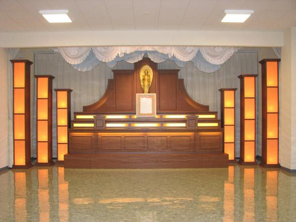 洋風の祭壇